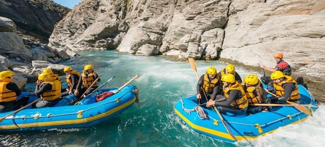 Canyoning Water Rafting